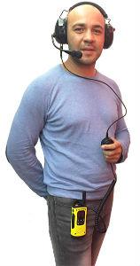Auricular de protección auditiva con micrófono